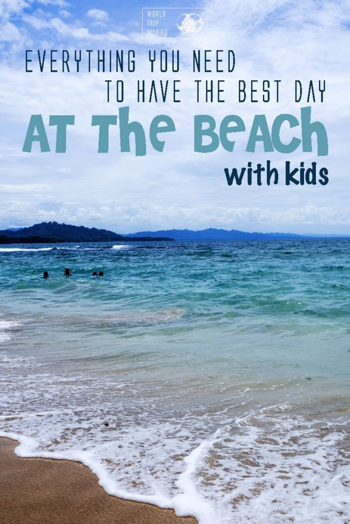 Thinking about having holidays at the beach with the kids? Find out what you need to pack to make the most of it! #travelingwithkids #beach #holidays