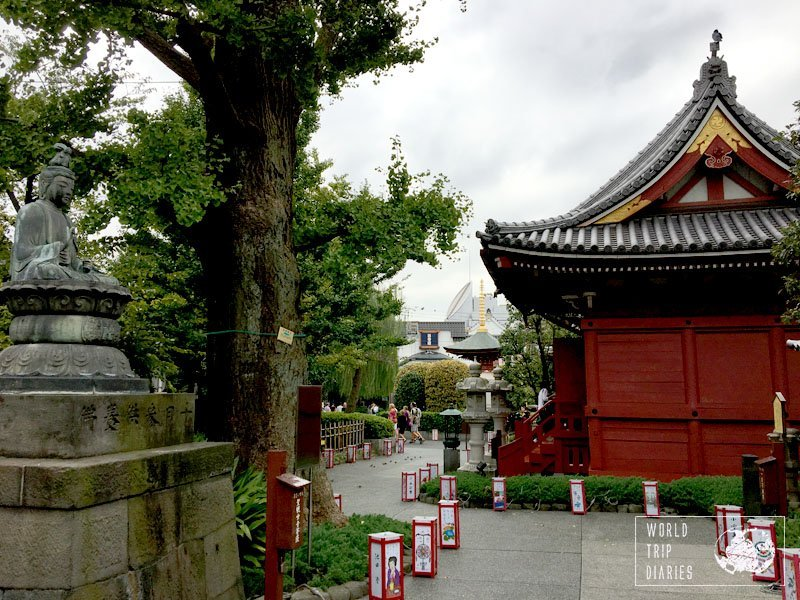 The gardens of the temple in Asakusa, Tokyo, and its peaceful and vintage feel. Love them!