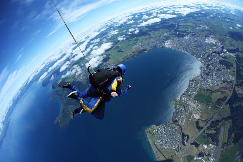 Skydiving wishes? Well, Lake Taupo, in New Zealand, is your perfect place for it! It gives you the best views!