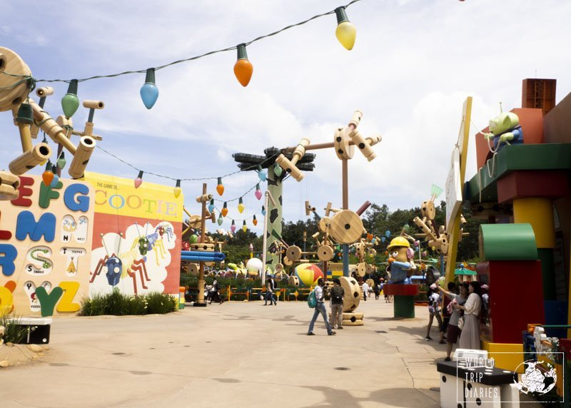 Toy Story Land, in Hong Kong Disneyland, is one of the most popular areas in the whole park. It's adorable and just so much fun!