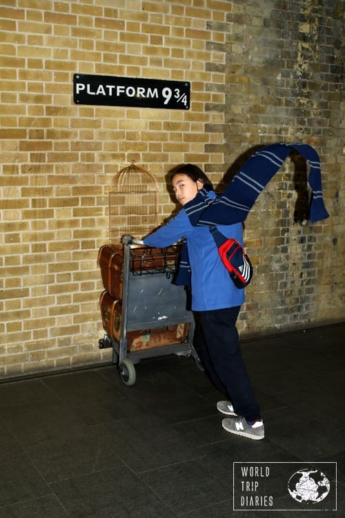 The photo at Platform 9 3/4 inside Kings Cross Station is highly touristic and with a huge line almost all day long. It's still a lot of fun and very much worth it!
