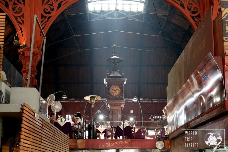 Mercado del Puerto is the place everyone must visit while in Montevideo to eat! Find out more!