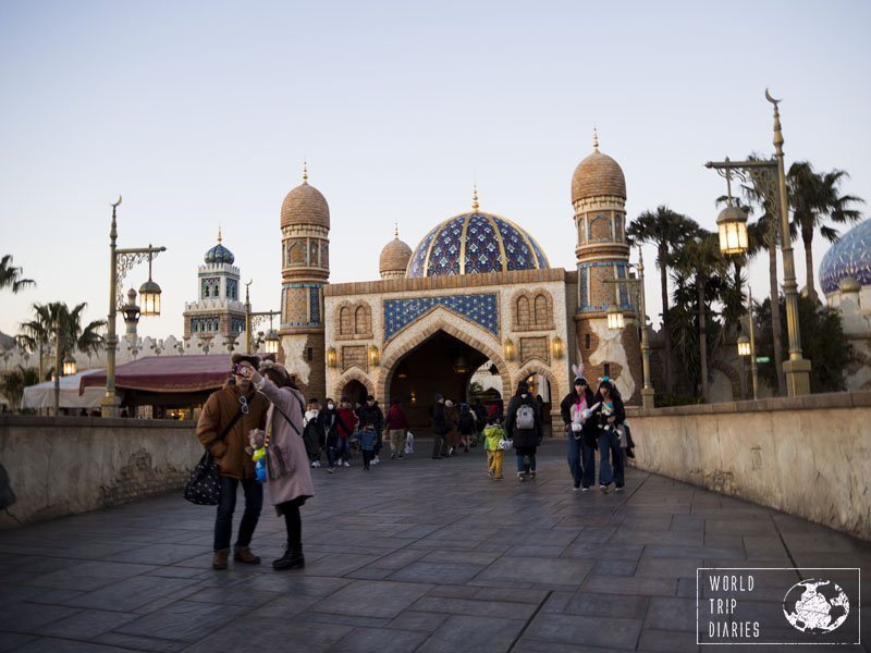 The Arabian Coast, in Tokyo Disney Sea, brings to life Aladdin, Jasmin, and their town. Amazing place to be!