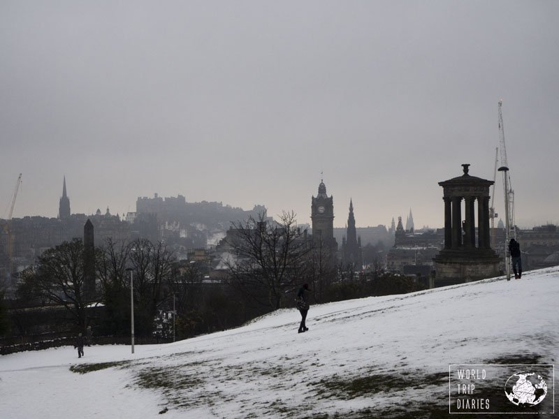 Carlton Hill, in Edinburgh (Scotland) is a lovely free place to visit - and it offers the best views of the city. Click for more!