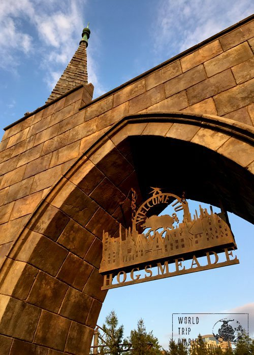 Welcome to Hogsmeade! If there's something that makes my heart beat faster, it's this sign. Love at USJ!