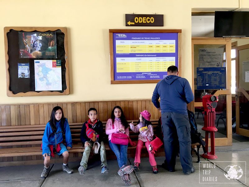 oruro uyuni kids train station