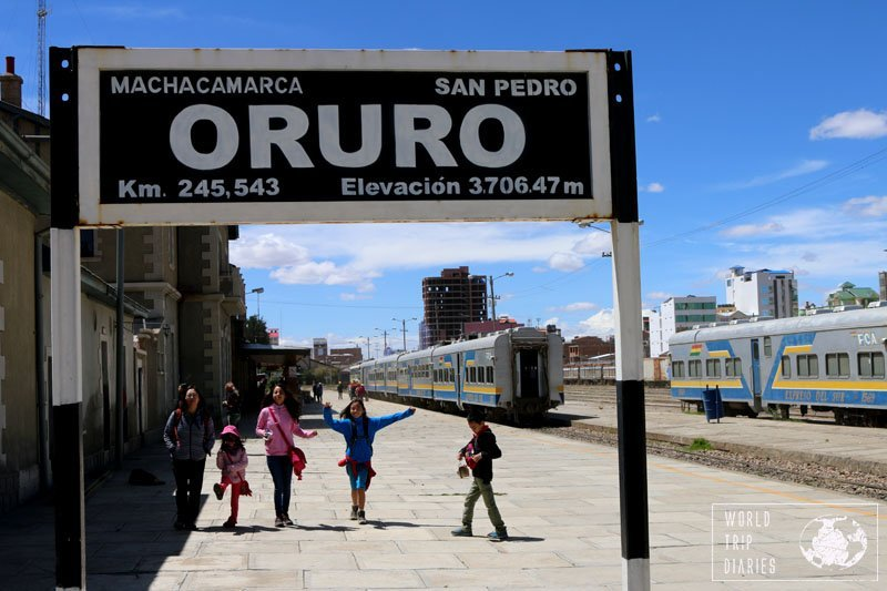 oruro train station uyuni kids