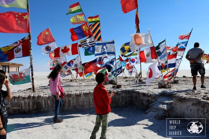 flags uyuni salar bolivia